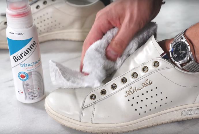 Nettoyer ses baskets blanches | Baranne